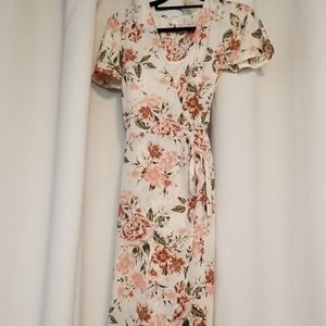 Small (4-6) Time and Tru Floral Wrap Dress